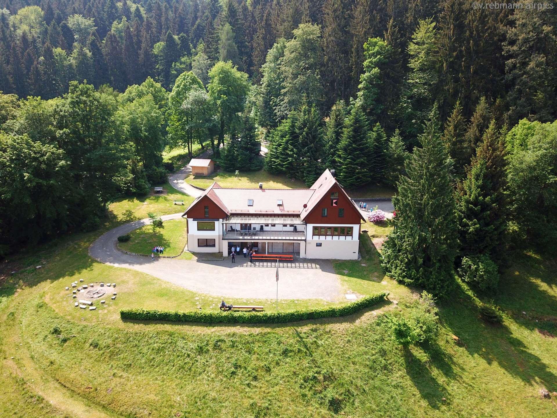 Hangsicht auf das Kolpinghaus Weisenbach